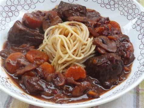 comment cuisiner un bourguignon le bon bourguignon recette de boeuf bourguignon