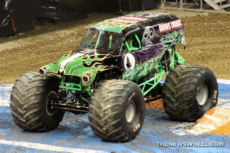 monster trucks youtube grave digger monster jam show dayton grave digger truck 3 the news
