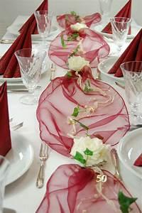 Tisch Deko Hochzeit : komplette tischdeko in bordeaux creme f r goldene hochzeit ~ A.2002-acura-tl-radio.info Haus und Dekorationen