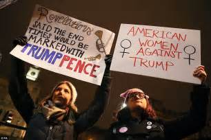 Thousands of Britons hold protests against Trump | Daily ...