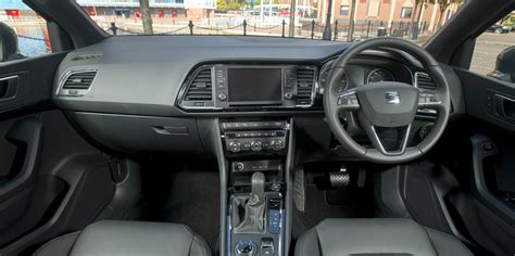 seat ateca interior infotainment carwow