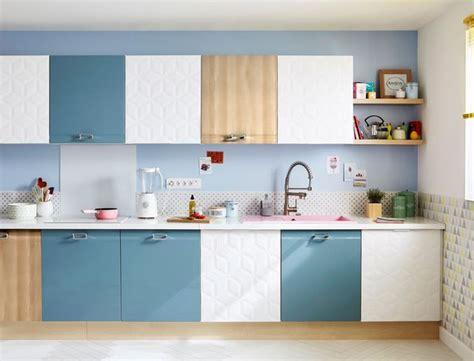 finition cuisine porte de cuisine en bois vitrine et portes vitres
