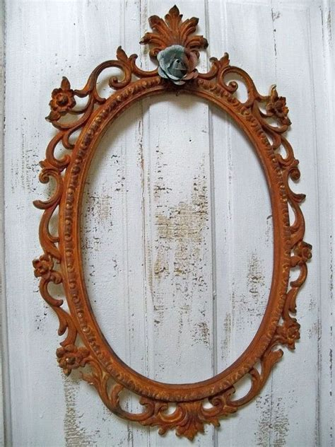 Are you a fan of the shabby chic look? Large ornate frame French market style vintage shabby chic ...