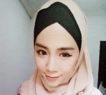Parfum Untuk Wanita Dewasa Muslimah Tetap Til Cantik Dengan Hijabnya Surabaya