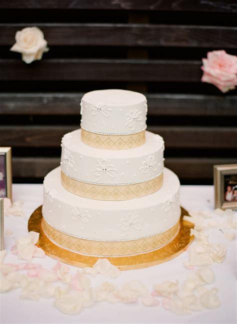 wedding cake with geometric border design elizabeth anne