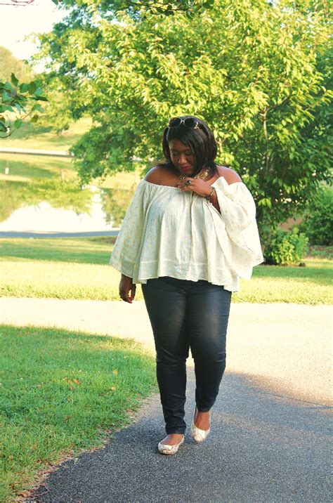 Shapely Chic Sheri - Plus Size Fashion and Style Blog for Curvy Women Date Outfit Ideas Gold ...