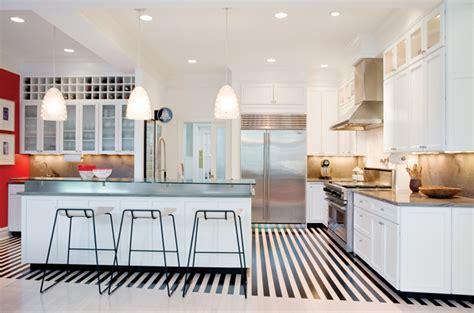 bold  beautiful black  white stripes   room