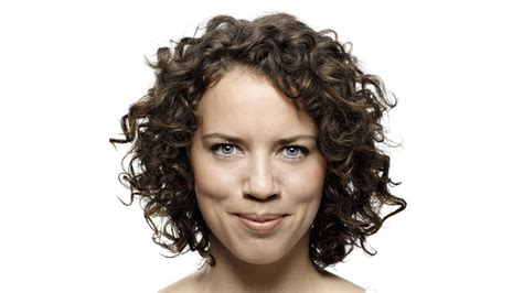 how to style thin curly hair how to banish frizz for a curly s guide 2451