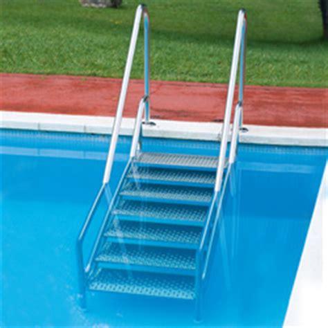 escalier pour piscine enterree echelle escalier inox easy access avec courante