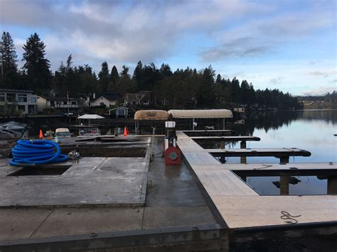 Living On A Boat Oregon by Lake Oswego View All About Lo Homes Living