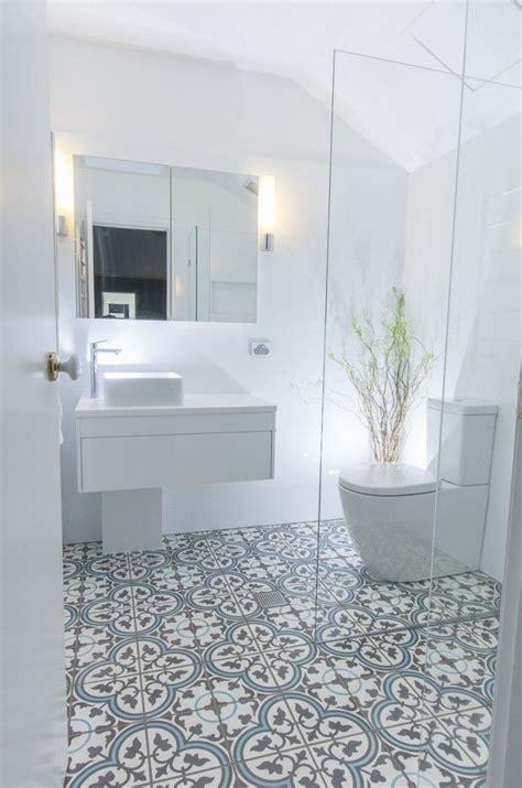 cheap bathroom tile ideas best 25 blue bathroom tiles ideas on pinterest diy blue cheap floor tiles for bathroom 678 x