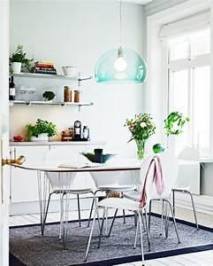 Lampe Esszimmer Modern : blaue lampe dunkler teppich helle wandfarbe home kitchen esszimmer esszimmer modern und ~ Frokenaadalensverden.com Haus und Dekorationen