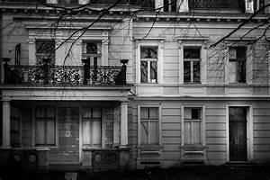 Haustüren Für Alte Häuser : alte h user in schwarz wei der tag und ich ~ Michelbontemps.com Haus und Dekorationen