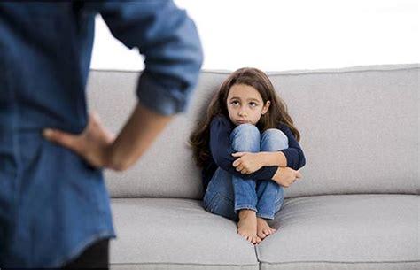 کودکی که رابطه جنسی پدر و مادر را ببیند چه کنیم