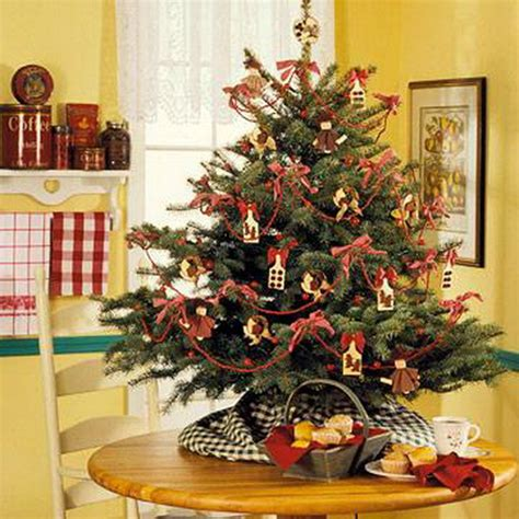 decorating a small christmas tree miniature tabletop christmas tree decorating ideas family holiday net guide to family holidays