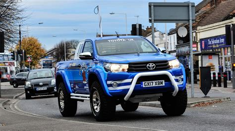 Toyota Car : Toyota Hilux Bruiser (2017) Review