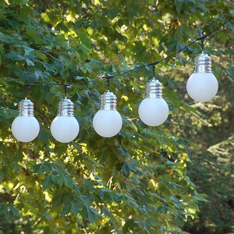 guirlande lumineuse jardin guirlande lumineuse pour jardin guirlande basic out by