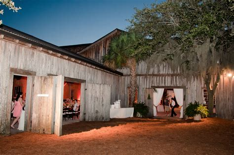 rustic southern wedding venue   water boone hall