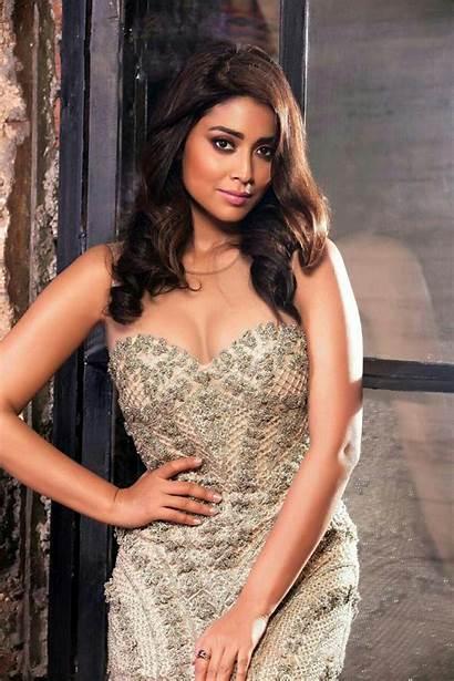 Saran Shriya Actress Latest South Cleavage Diva
