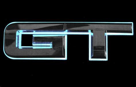 rear gt emblem white light  led   ford mustang