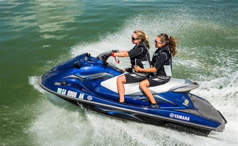 Jet Boat Vs Jet Ski by 2014 Yamaha Waverunner Vx The Review From Our Pwc Expert
