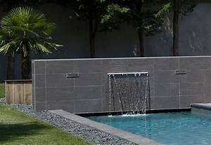 lame d39eau bassin pinterest piscine carre talus et With marvelous amenagement petit jardin avec terrasse 0 bassin deau dans le jardin 85 idees pour sinspirer