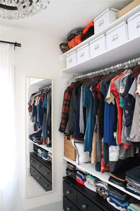 professional closet organizer pro organizer tips what not to do when decluttering your