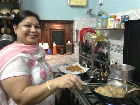 home cooked delhi connecting locals and travellers with food adventures