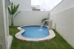Pool And Patio Ideas by Piscina De Fibra Para Quintal Pequeno Pesquisa Google