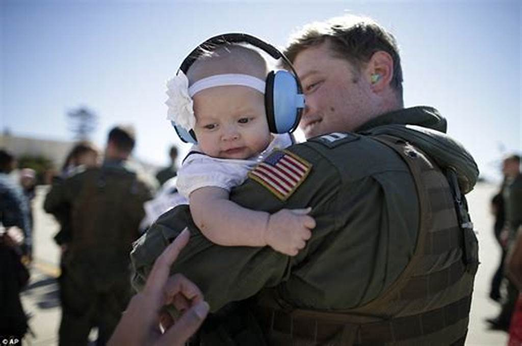 #Moment #Returning #Us #Navy #Officer #Meets #His #Baby #Daughter