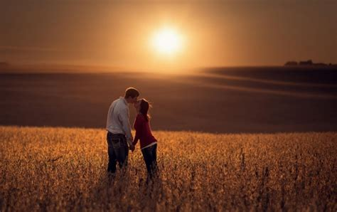 Lovers Kiss Sunset Field Wallpapers
