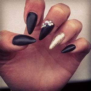 Black Matte And Gold Nails Pictures, Photos, and Images ...