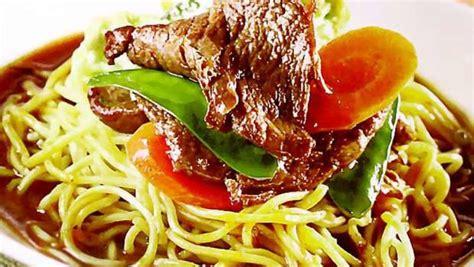 Beberapa bahan untuk pembuatan mie kuah jawa. Resep Mie Siram Kuah Daging Semur - Masak Apa Hari Ini?