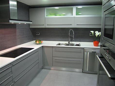ideas  decorar cocinas grises