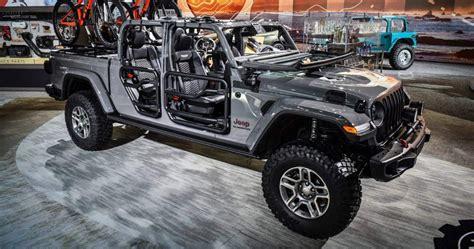 Jeep Truck 2020 Interior by 2020 Jeep Gladiator Interior Motoorauthority