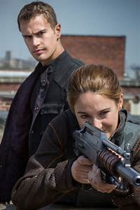'Divergent' movie: 10 high-res photos feature Tris, Four ...