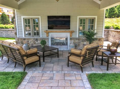 Pool Cabana With Outdoor Entertaining Area, Tv And