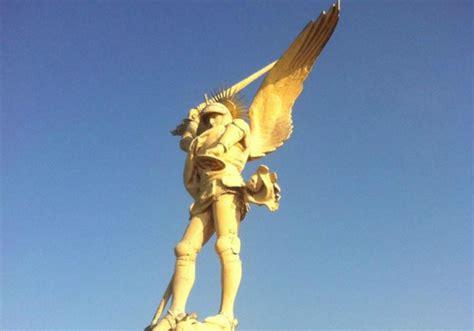 archange du mont michel l un des symboles de la normandie part se refaire une beaut 233