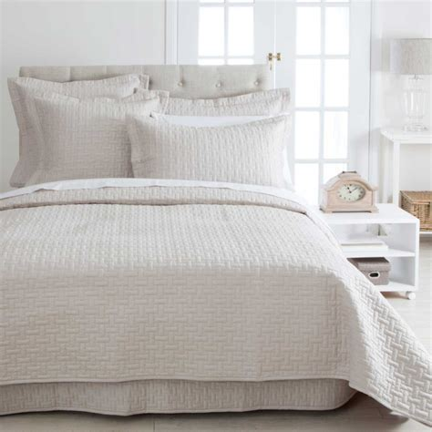 Cheap Coverlets by Narbonne Linen Coverlet Pillow Talk