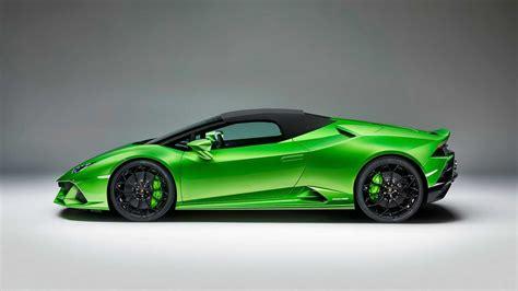 Lamborghini Huracan Evo Spyder Debuts Its Folding Roof In