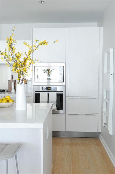 cocinas blancas  grises modernas walk  closet pisos