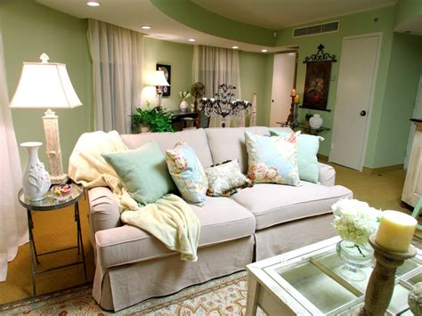 Chic Living Room Decorating Ideas And Design 7 Chic: HGTV's Design Star Team Creates A Shabby Chic Suite With