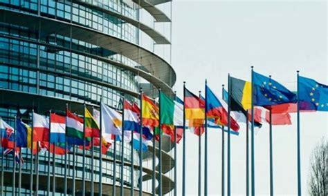 Sedi Parlamento Europeo by Tre Sedi Ottomila Dipendenti Tutti I Numeri