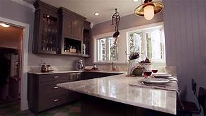Small open concept kitchen small open kitchen living room for Kitchen cabinet trends 2018 combined with film wall art