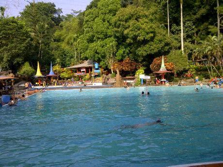 taman wisata kolam renang tirto argo siwarak ungaran