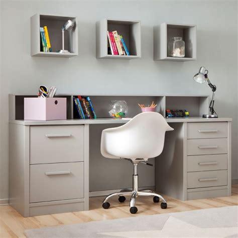 photo de bureau chambre enfant avec lit à tiroirs bureau et rangement