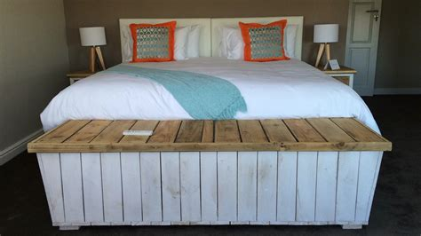 cc custom  pallet bedroom accessories creative