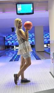 U2665tonia Fashion Tour  U2665  Bowling Girl