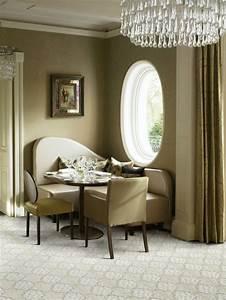 Teppich Im Wohnzimmer : 12 ideen wie man einen teppich im wohnzimmer integrieren kann ~ Frokenaadalensverden.com Haus und Dekorationen