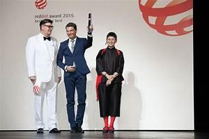 Red Dot Award 2015 : volvo xc90 ist der beste der besten thomas ingenlath nimmt red dot award entgegen ~ Markanthonyermac.com Haus und Dekorationen